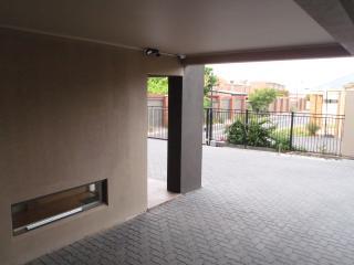 Executive Apart, Sleeps 9, Close to Adelaide CBD - Adelaide vacation rentals