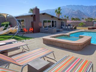 Atomic Garden - Style & Luxury - Palm Springs vacation rentals