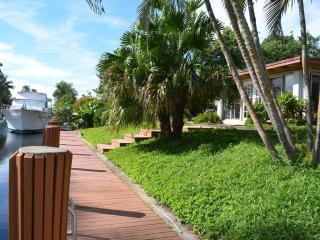 Butterflies, Waterfront, Kayaks,  Bring your boat! - Fort Lauderdale vacation rentals