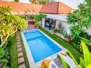 Cozy 3 Bedroom Villa located Heart of Seminyak and Close to Restaurant and Shop - Seminyak vacation rentals