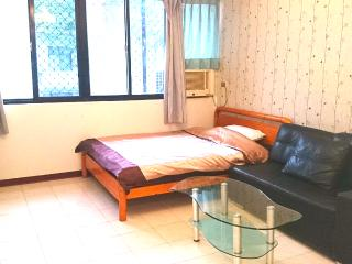 Park view studio near MRT-Taipei101 - Taipei vacation rentals