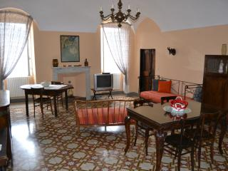 Casa grande in centro storico Triora - Triora vacation rentals