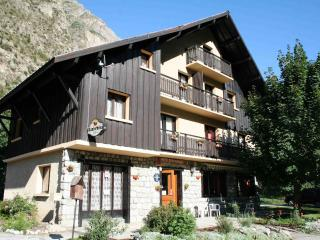 Catered or Self-catered chalet close to Les Deux Alpes gondola and Alpe d'Huez - Isere vacation rentals
