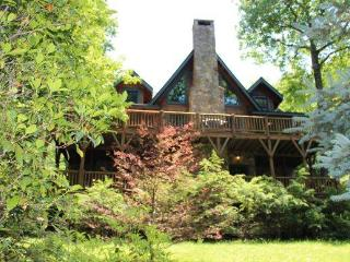 Large Log Cabin pool table, fireplaces, porches - Highlands vacation rentals