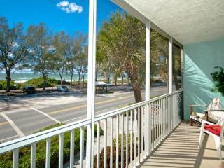 Convenient 2 bedroom Condo in Bradenton Beach - Bradenton Beach vacation rentals