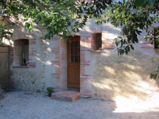 Adorable 4 bedroom Alenya Gite with Internet Access - Alenya vacation rentals