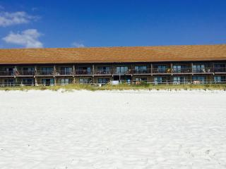 Picturesque 1 Bedroom Next to Beach at Polynesian - Osage Beach vacation rentals