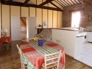 Bright 3 bedroom Vacation Rental in Alenya - Alenya vacation rentals