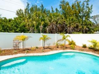 Pool - Willow Cottage - 108 Willow - Anna Maria - rentals