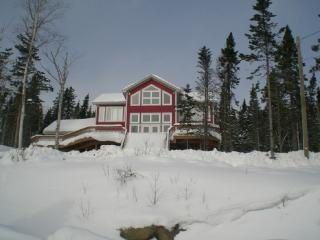 LARGE TERRACE W/LAKE VIEW & GOLF COURSE - Deer Lake vacation rentals
