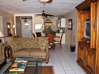 One Step to Beach - #01 Harbour Heights 7MB - Seven Mile Beach vacation rentals