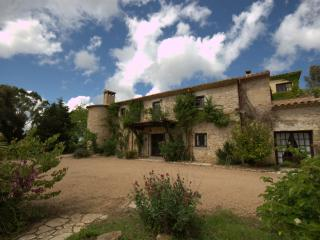 Gorgeous Chalet with Satellite Or Cable TV and Outdoor Dining Area - la Bisbal d'Emporda vacation rentals