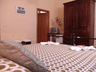 1 bedroom B&B with Internet Access in Lucignano - Lucignano vacation rentals