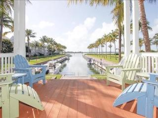 Waterfront luxury Villa (29) with spectacular sunset views and boat slip - Marathon vacation rentals