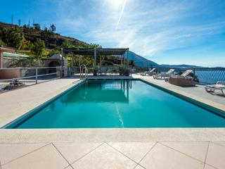 Apartments Klis -Studio Apartment with Terrace - 3 - Mlini vacation rentals