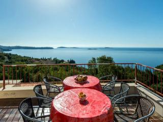 Apartments Matusko - Two Bedroom Apartment with Terrace and Sea View - Plat vacation rentals