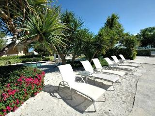 Got stress?...409 Mariners Club has the power to restore you - Key Largo vacation rentals