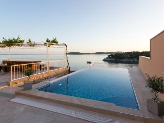 Apartments Franceska -Two-Bedroom Apartment with Terrace and Sea View - Zaton (Dubrovnik) vacation rentals