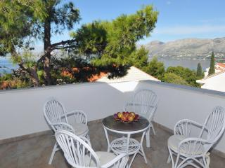 Apartment Dubravka - Three-Bedroom Apartment with Balcony and Sea View - Cavtat vacation rentals