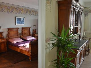 Nice 2 bedroom Cilipi Condo with Internet Access - Cilipi vacation rentals