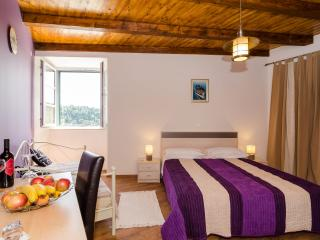 Rooms Cavtat Old Town - Triple Room with Sea View-First Floor - Cavtat vacation rentals