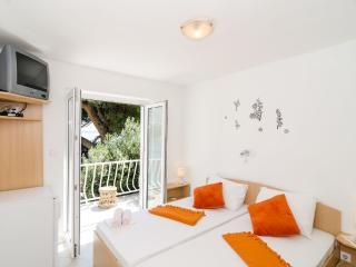 Guest House Daniela - Double Room with Balcony and Sea View-4 - Mlini vacation rentals