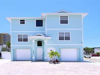 BayView Home, 6 Bedroom, Heated Pool, Hot Tub, Sleeps 14 - Fort Myers Beach vacation rentals