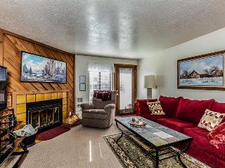 One-bedroom condo near skiing w/jetted tub & shared pool! - Brian Head vacation rentals