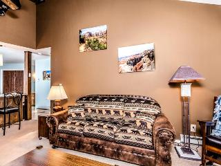 Warm and welcoming upgraded condo close to Giant Steps! - Brian Head vacation rentals