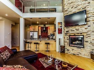 Contemporary condo near lifts w/ private hot tub! - Brian Head vacation rentals