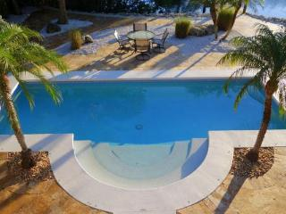 Gorgeous 4 bedroom House in Anna Maria with Deck - Anna Maria vacation rentals