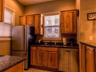 Branson Vacation Rental | Eagles Nest | Indian Point | Silver Dollar City - Branson vacation rentals