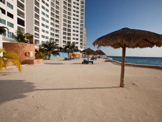 Casa JC (D12) - Ocean Views from 2 Floors, Spectacularly Luxurious - Cozumel vacation rentals