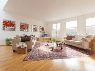 Charming Condo with Washing Machine and Television - Amsterdam vacation rentals