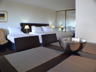 1407 Oxford St Hyde Park City Studio - Sydney vacation rentals