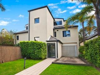 BONDI BEACH Lamrock Avenue - Rose Bay vacation rentals