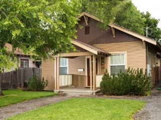 Walk to Downtown! Historic District, Delaware House, Hot Tub, Pet Friendly - Central Oregon vacation rentals