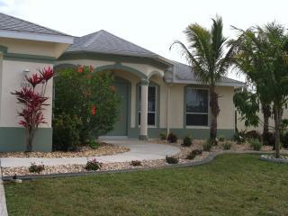Hacienda Getaway, 3/2 pool home in SW Cape Coral. - Cape Coral vacation rentals
