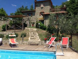 Nice Farmhouse Barn with Internet Access and Satellite Or Cable TV - Arezzo vacation rentals