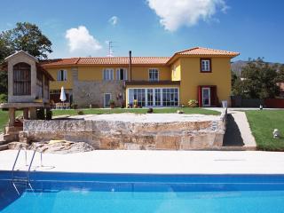 Beautiful 5 bedroom Villa in Valença - Valença vacation rentals