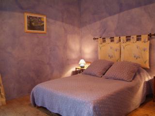 Cozy 3 bedroom Gite in Alenya with Internet Access - Alenya vacation rentals