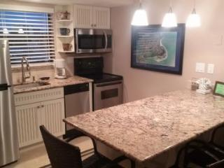 Well appointed and updated condo in popular Resort complex- Perfect for your Island Vacation! - Marco Island vacation rentals