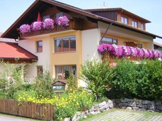 2 bedroom Condo with Internet Access in Hopferau - Hopferau vacation rentals