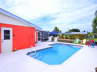 Sunset Soiree, Walk to Gulf, Heated Pool, Sleeps 6, WIFI - Fort Myers Beach vacation rentals