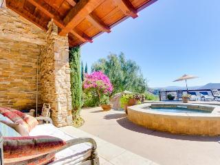 Stunning villa with lake views, private hot tub & pool! - Escondido vacation rentals