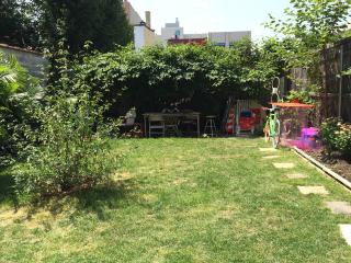 Cozy BK home with HUGE private yard - Brooklyn vacation rentals