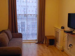 GT12 - Paddington / Lancaster Gate - London vacation rentals