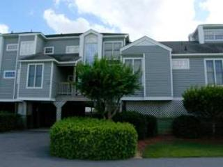 Dog-friendly canalfront 3BR - Sextant Village #204 - Image 1 - Manteo - rentals