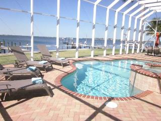 Cozy House with Internet Access and Dishwasher - Cape Coral vacation rentals