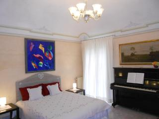 Romantic Home with Garden in Centra Pisa with Wifi - Pisa vacation rentals